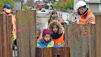 Zofingen Baustelle 2 20201104 Kölliken Strassenbaustelle Blick in Grube
