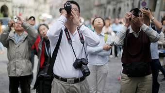 Ein chinesischer Tourist unterzeichnete das falsche Formular – und schon galt er als Flüchtling (Symbolbild)