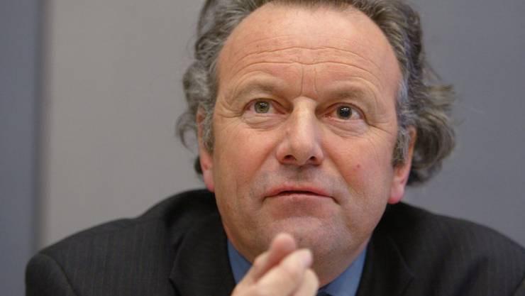 Laut dem Basler Strafrechtsexperten Mark Pieth hat die Schweiz ein Interesse, dass die Vorgänge bei der Fifa ordnungsgemäss durch die Justiz des Landes untersucht und nicht einfach unter den Teppich gekehrt werden. (Archivbild)