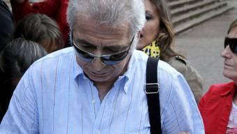 Der Kondukteur und seine Frau vor dem Gericht in Santiago