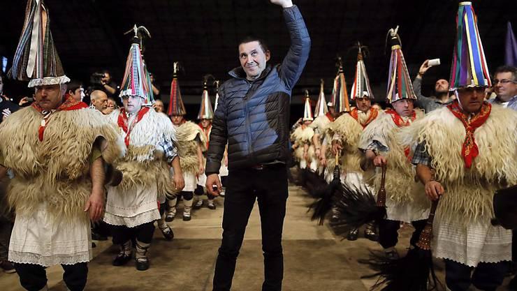 Grosser Bahnhof für Baskenführer Arnaldo Otegi in San Sebastian nach seiner Entlassung aus dem Gefängnis.