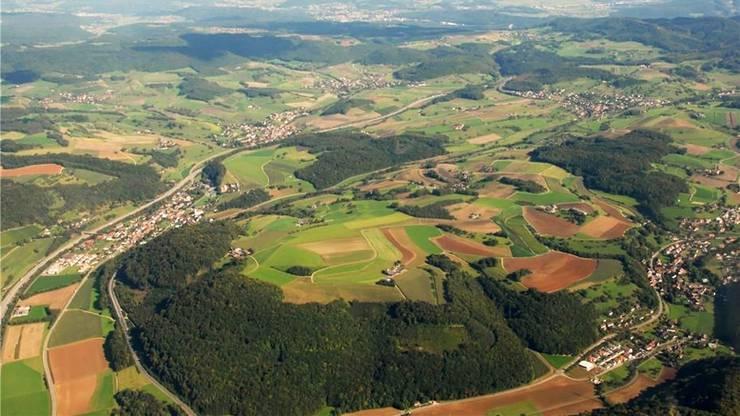 Hornussen, Bözen, Elfingen und Effingen stimmen über die Fusion zur Gemeinde «Böztal» ab.