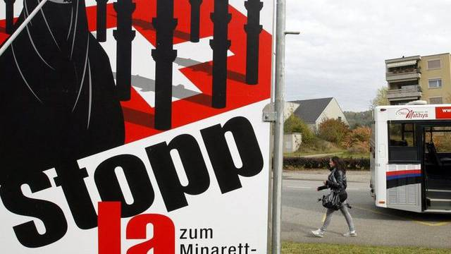 Ein Plakat der Anti-Minarett-Initiative (Symbolbild)