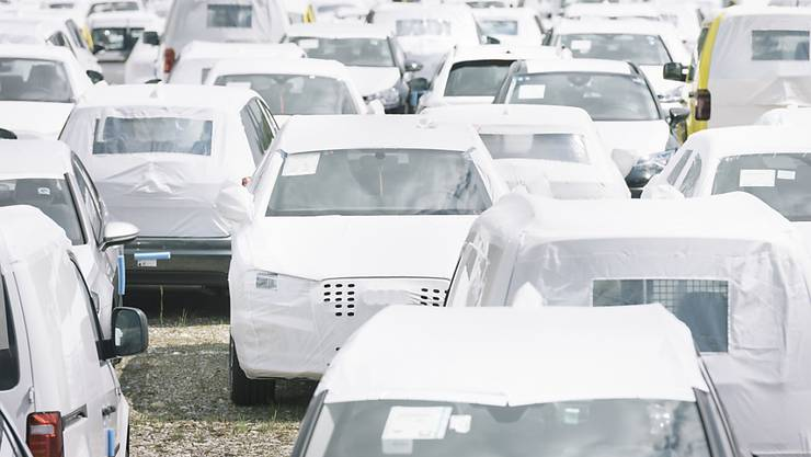 Autokäufer haben sich im April etwas zurückgehalten. Das drückt auf den Privatkonsum, der gut die Hälfte zum Schweizer Bruttoinlandprodukt beisteuert. (Symbolbild)