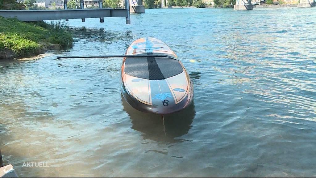 Umstrittenes Verbot: Stand-up-Paddles auf gewissen Aare-Abschnitten verboten