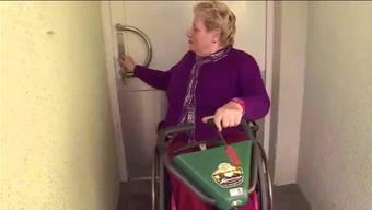 Erika Genillard hat Schmerzen, wenn sie die Tür zum Block so aufmachen muss.