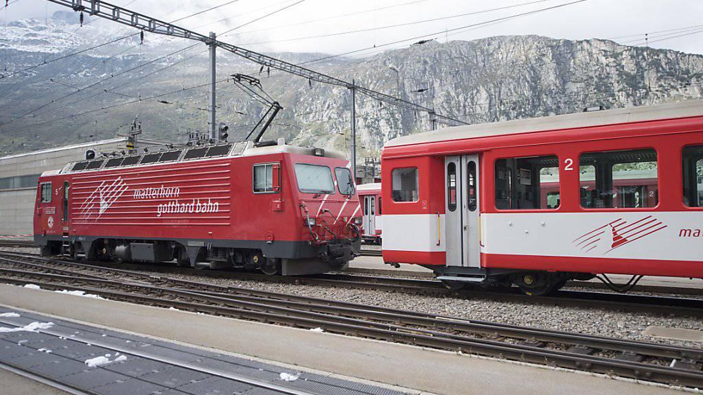 Die Entgleisung eines Regionalzugs der Matterhorn-Gotthard-Bahn bei Fiesch im Oberwallis ist am Samstagabend glimpflich ausgegangen. Verletzt wurde niemand. (Archiv)