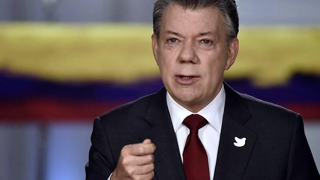 """""""Das ist der beste Weg, das Abkommen zu verabschieden"""": Kolumbiens Präsident Santos in einer Fernsehansprache zum jüngsten Friedensvertrag mit der FARC."""