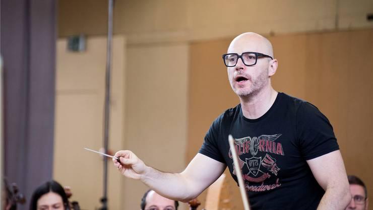 Mit dieser Brille hat Baldur Brönnimann den Durchblick – auch bei der komplexen Musik von Messiaen. Fotos: Nicole Nars