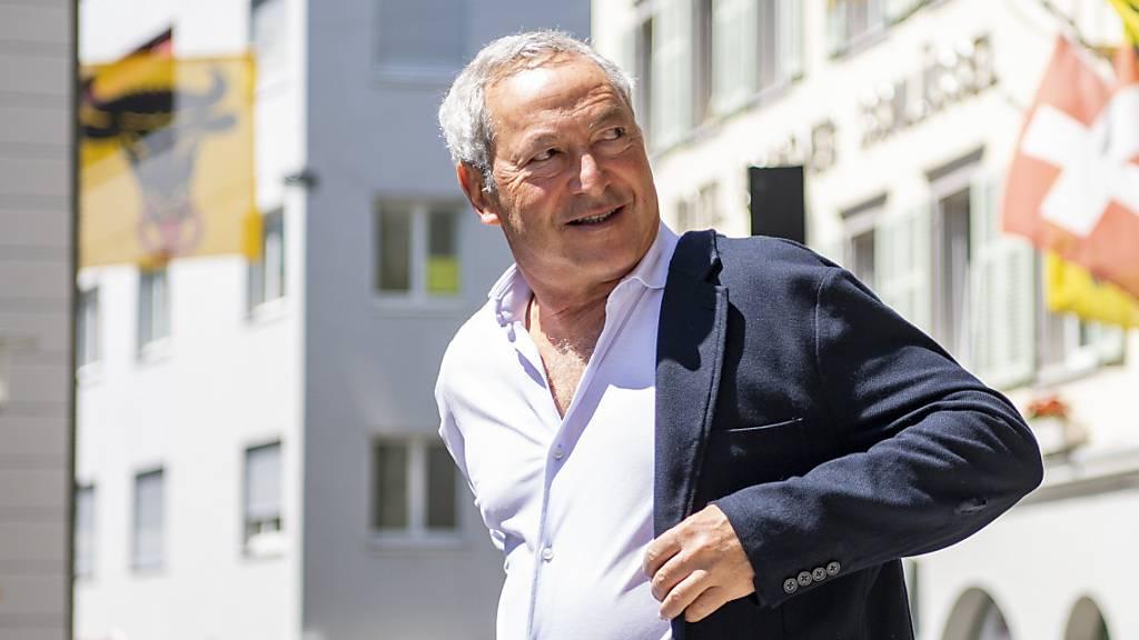 Samih Sawiris, Ehrenbürger des Kantons Uri, auf dem Weg zur Feier, die wegen Corona nur im kleinen Rahmen stattfand.