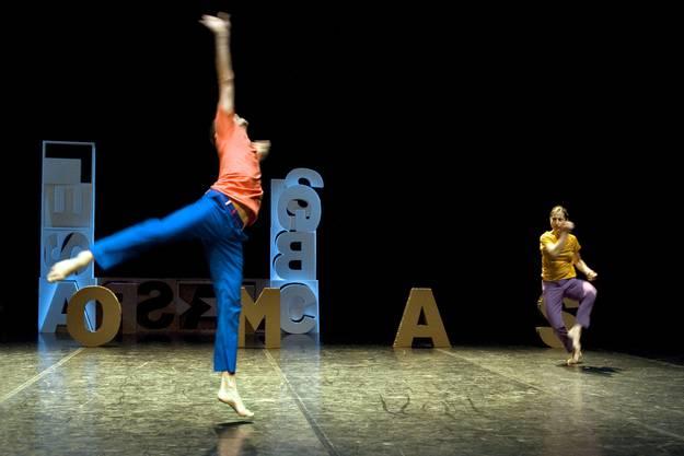 Hauert  hat seit 1997 fünfzehn abendfüllende Stücke geschaffen, die in 28 Ländern gezeigt wurden. Regelmässig tritt der internationale Tänzer aber auch in seiner Heimat, am Festival «Tanz in Olten», auf.