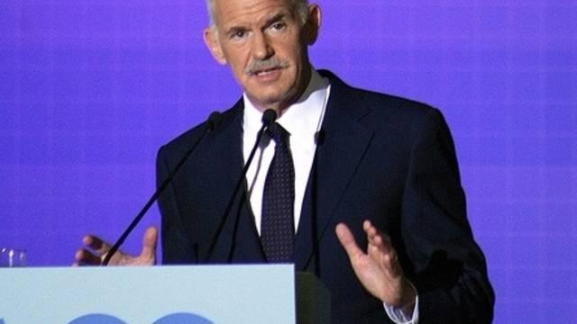 Griechenlands Regierungschef Papandreou ruft in Thessaloniki zum Sparen auf