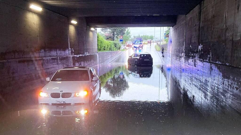 Ein Dutzend Keller nach Unwetter überschwemmt