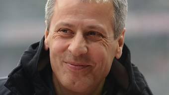 """Lucien Favre strahlt als """"Bundesliga-Trainer der Vorrunde""""."""