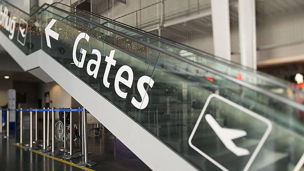 Auf dem Flughafen Basel-Mülhausen geht es weiter aufwärts. Im vergangenen Jahr wurden 8,6 Millionen Passagiere verzeichnet. Im laufenden Jahr sollen es neun Millionen sein. (KEYSTONE/Georgios Kefalas)