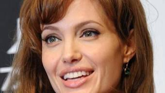 """Jolie """"sicherheitshalber"""" hat sich Twittername gesichert"""