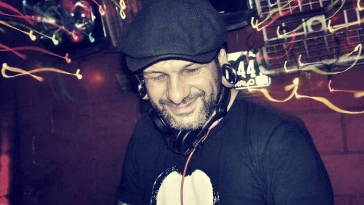 Der Balkan Beat DJ Rock Gitano war schon Tätowierer, als nur Gauner und wilde Rebellen Tattoos trugen. Heute hält er nicht mehr viel von der Branche. (Pressebild)