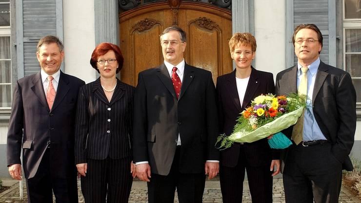 Am 30. März 2003 wird Sabine Pegoraro in die Baselbieter Regierung gewählt und ist mit 45 damals das klar jüngste Mitglied im Fünfergremium (v.l. mit Erich Straumann, Elsbeth Schneider, Adrian Ballmer und Urs Wüthrich). Pegoraro, zuvor Landrätin und FDP-Parteichefin, ist die grosse Hoffnungsträgerin des Baselbieter Freisinns.