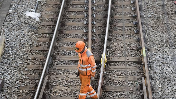 Die SBB muss nach einem Suizid auf einer Bahnstrecke im Kanton Zürich nicht für den Feuerwehreinsatz bezahlen. Das hat das Bundesgericht entschieden. (Archivbild)