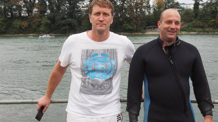 Sind enttäuscht: Einen Finderlohn gibt es für Michael Tschannen (links) und Sascha Füchter nicht. Sie können nur den gestrigen Tauchgang in Rechnung stellen.  twe
