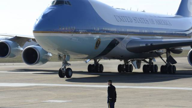 Air Force One mit US-Präsident Obama an Bord in Alcoa, Tennessee