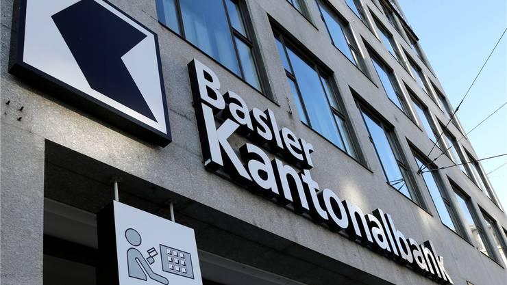 Hauptsitz der Basler Kantonalbank an der Spiegelgasse war gestern Ziel eines versuchten Raubes.