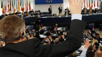 Europaparlament stimmt für SWIFT-Abkommen (Archiv)
