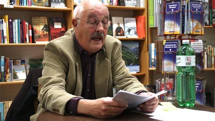 Ein des Mordes verdächtiger Bündner Bauer spielt die Hauptrolle in Heinz Lüthis neuestem Buch.