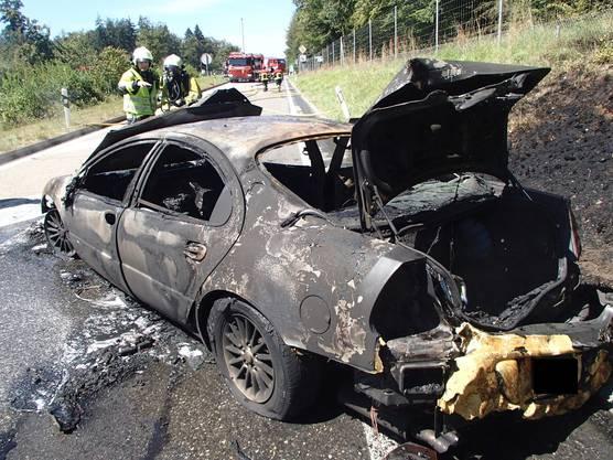 Die 40-jährige Fahrerin des Autos, eine Schweizerin aus dem Kanton Zug, erlitt einen Schock und musste durch die aufgebotene Ambulanzbesatzung betreut und zur Kontrolle ins Spital geführt werden.