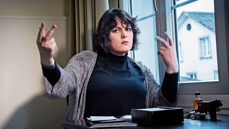 Die Kabarettistin Patti Basler schreibt in diesem Text über Jungfräulichkeit. Sie ist Gewinnerin des Salzburger Stiers und des Prix Walo in der Kategorie Kabarett/Comedy. Mit ihrem aktuellen Kabarettprogramm «Nachsitzen» ist sie auf Tour.