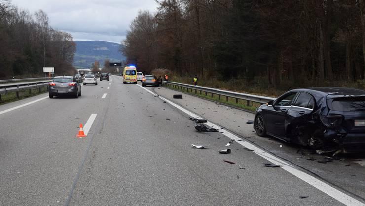 Auf der Autobahn A1 bei Derendingen kam es am Samstagnachmittag zu einer Kollision auf dem Pannenstreifen.