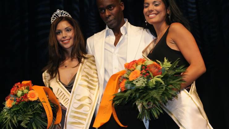 Die Gewinnerin Jessica De Filippis (links) mit Jurymitglied Bruce Darnell und Miss Face Moira Epifanio.