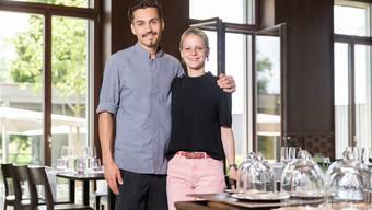Die Wirte des Restaurants «Fahr» in Künten-Sulz, Manuel Steigmeier und Alexandra von Allmen, haben 15 Punkte. Bild: Claudio Thoma