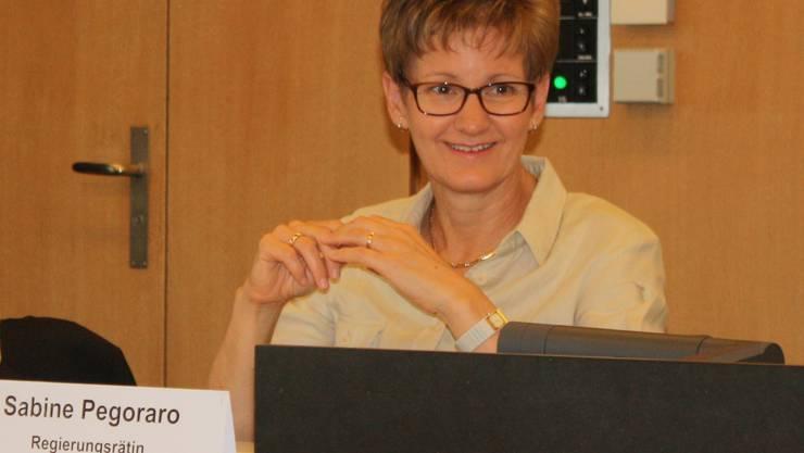Regierungsrätin Sabine Pegoraro am Montag an der Elba-Pressekonferenz.