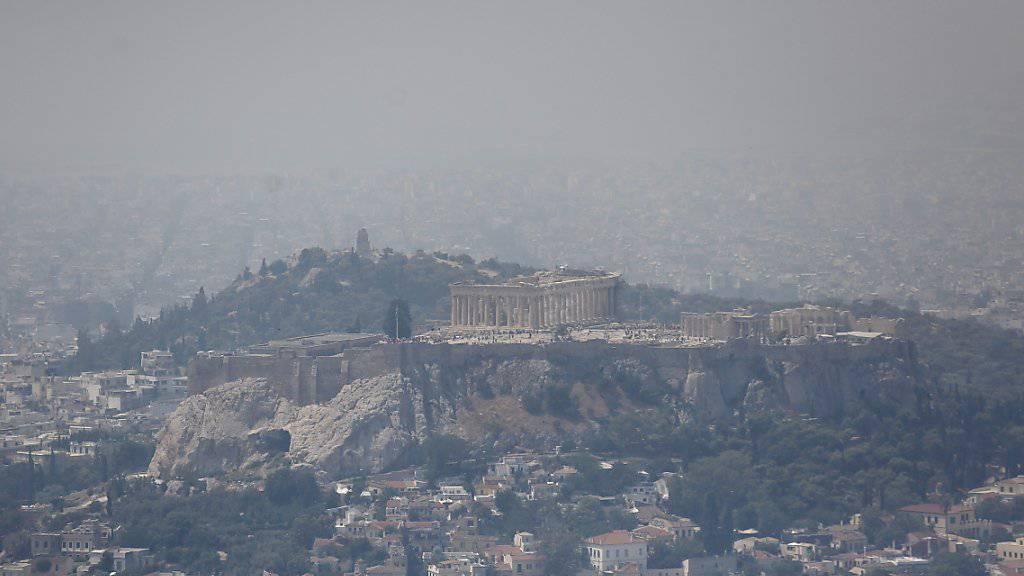 Dicke Luft: Wegen der Feuer auf Euböa klagten die Menschen in Athen über Brandgeruch.