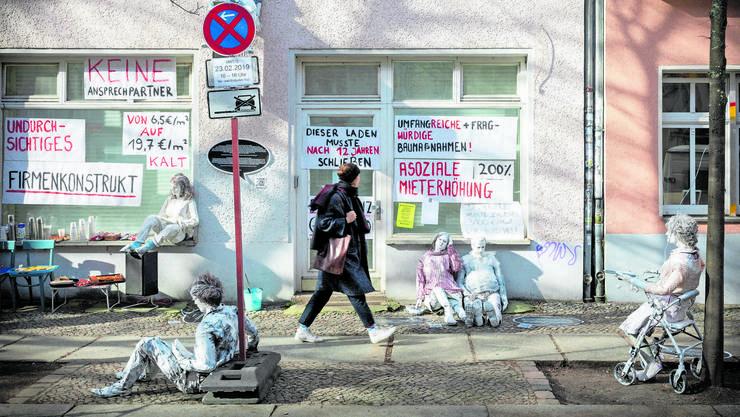 Kreativ und politisch durchsetzungsstark: Proteste gegen hohe Mieten und Verdrängung in Berlin Friedrichshain.