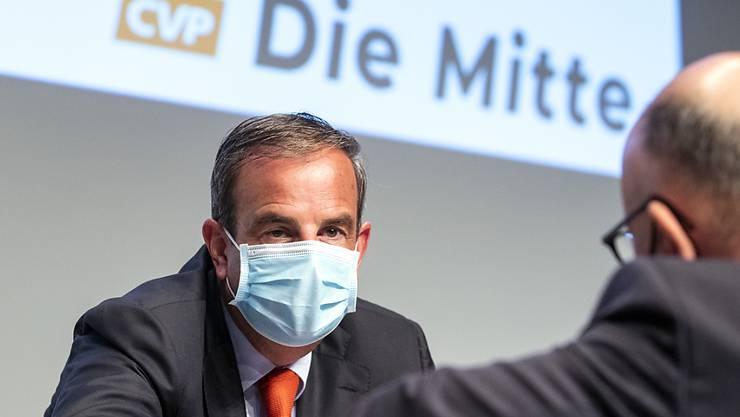 """Präsident Gerhard Pfister will die Traditionspartei CVP Schweiz in """"Die Mitte"""" umbenennen: """"Wir wollen die national relevante politische Kraft der Mitte bleiben"""", sagte Pfister an der Delegiertenversammlung in Baden AG."""