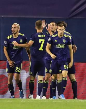 Dinamo Zagreb macht keine halben Sachen - gegen das Überraschungsteam Atalanta Bergamo gelingen gleich drei Treffer.