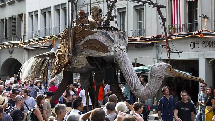 An drei Tagen gaben sich beim Strassenmusik-Festival Buskers in Bern 75'000 Personen der Strassenmusik, Akrobatik, Theater, Tanz, Streetperformance und Comedy hin.