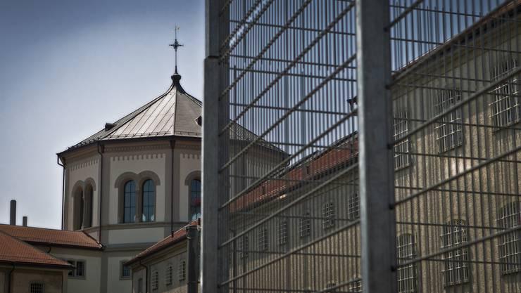 Der Regierungsrat will eine strengere Meldepflicht. Im Bild: Justizvollzugsanstalt Lenzburg.