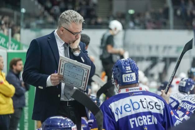 Für Kloten und Trainer Per Hanberg läuft es nicht wie gewünscht, der Favorit fand gegen die aufspielenden Powermäuse keine Mittel.