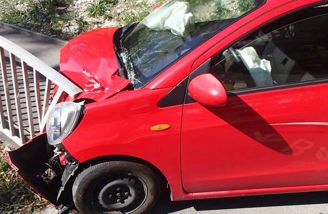 Dabei verlor er im Einmündungsbereich die Herrschaft über sein Fahrzeug.