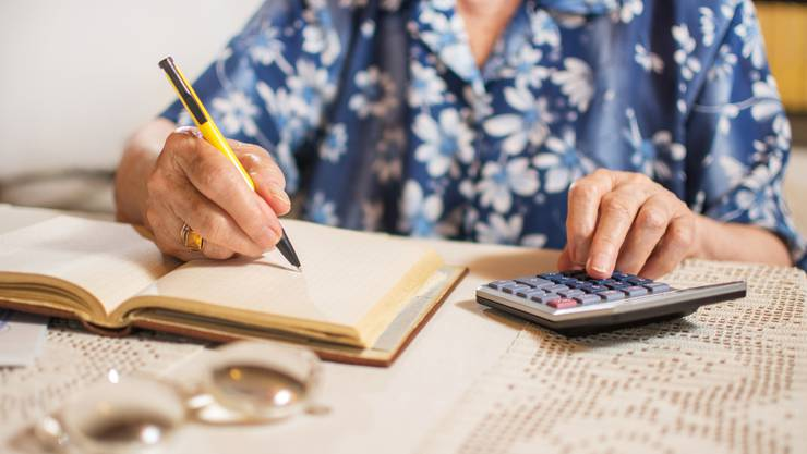 Kantonsangestellte werden Renteneinbussen hinnehmen müssen. Der Landrat entscheidet, wie hoch diese ausfallen.