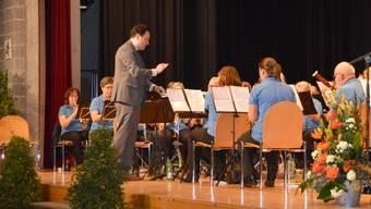 Zur Unterhaltung zwischen den Ehrungen spielte die Musikgesellschaft Möhlin unter der Leitung von Markus Tannenholz auf.