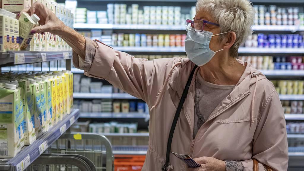 Basel-Stadt weitet Maskenpflicht aus und schränkt Gastro-Betriebe ein