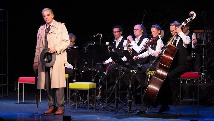 Walter Sittler gab Erich Kästner, musikalisch untermalt vom Ensemble um den Komponisten Libor Šíma.