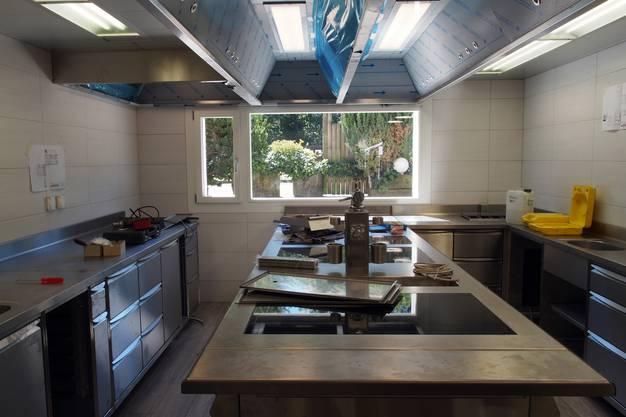 Die neue Küche nimmt Gestalt an.