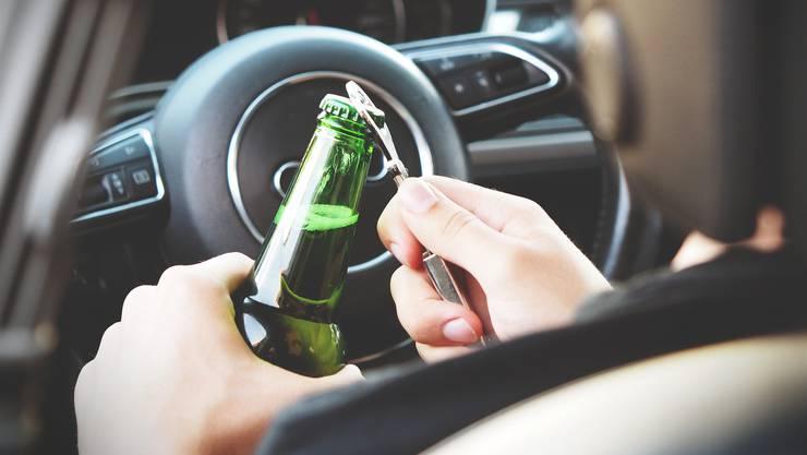 Bözberg: Unfall weil Fahrer unter Alkoholeinfluss stand.