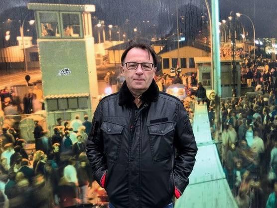 Aram Radomski, 2019 an der Bornholmer Strasse.