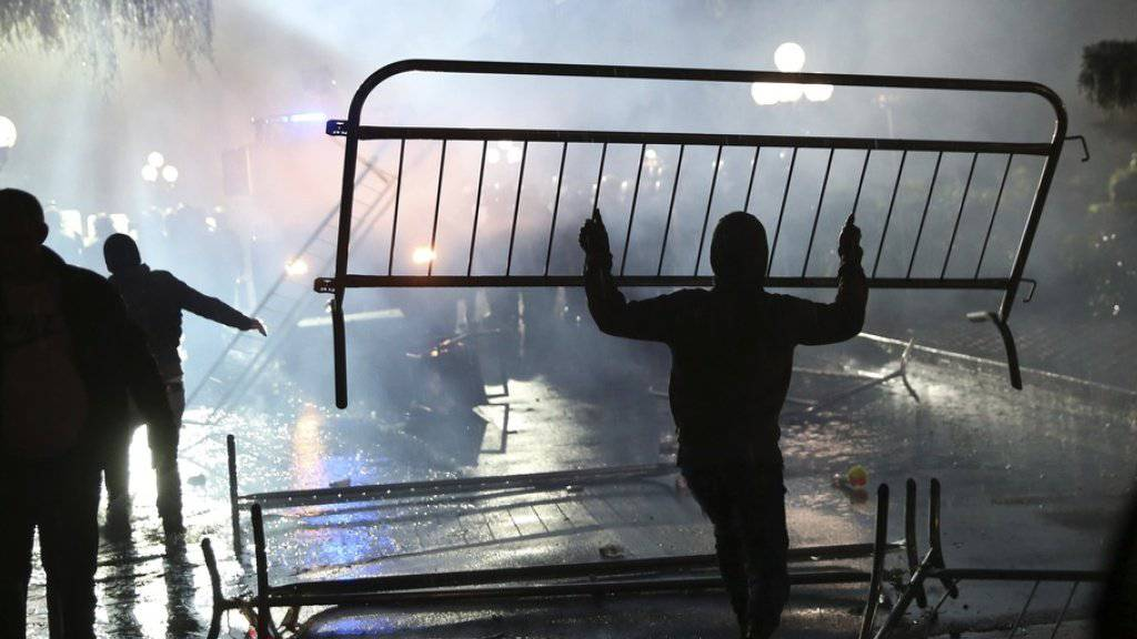 Protest am Montagabend in Tirana.